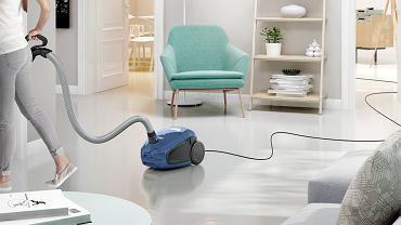 USALLER58, moc: 700 W, klasa energetyczna: A, skuteczność odkurzania dywanów: C, skuteczność odkurzania podłóg: A, poziom hałasu: 58 dB, cena 999 zł, Electrolux