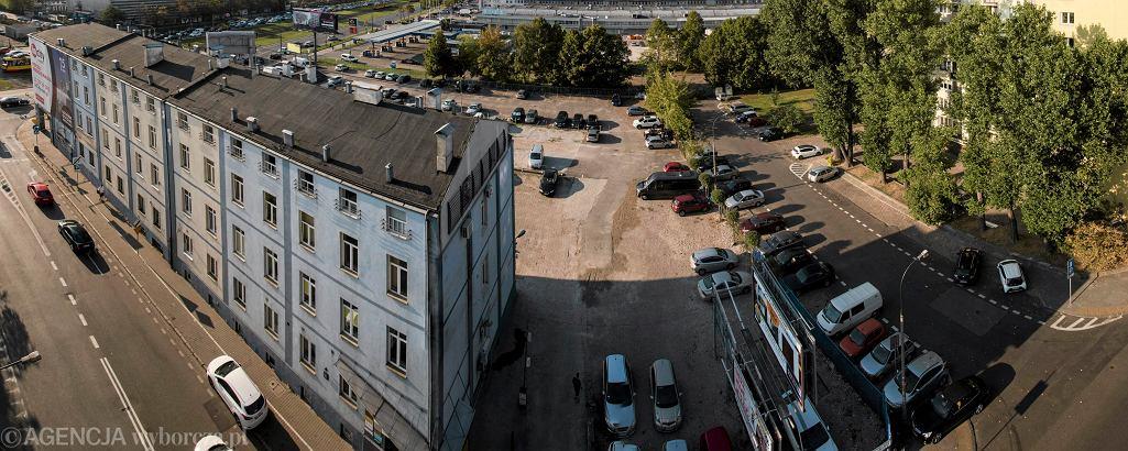 Budynek przy ul. Srebrna 16 w Warszawie, 12 września 2016
