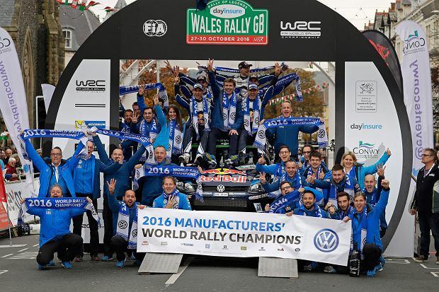 Ekipa Volskwagen Motorsport po zdobyciu 4. tytułu Mistrza Świata