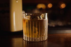 Drinki z whisky - pięć przepisów na proste do zrobienia koktajle