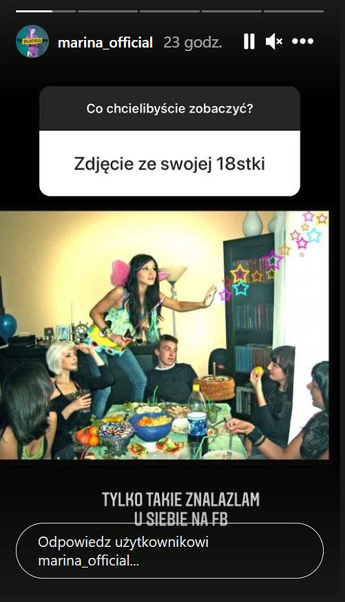 Marina na zdjęciu ze swojej osiemnastki