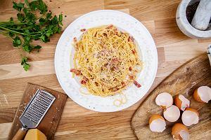 Prawdziwe spaghetti carbonara w sześciu krokach