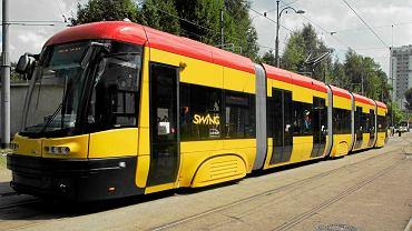 Dwukierunkowy tramwaj Pesa Swing Duo na ulicach Warszawy. W jakich kolorach zobaczymy bydgoskie tramwaje?