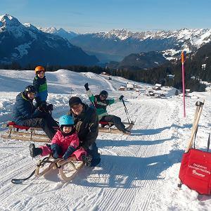 Sanki w regionie Jungfrau, zabawa na cały dzień