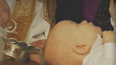 Za chrzest w Polsce można nic nie zapłacić, 50 zł, a nawet 400