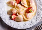 Polacy je kochają i można je jeść na wiele sposobów. Najlepsze przepisy na pierogi i garść porad