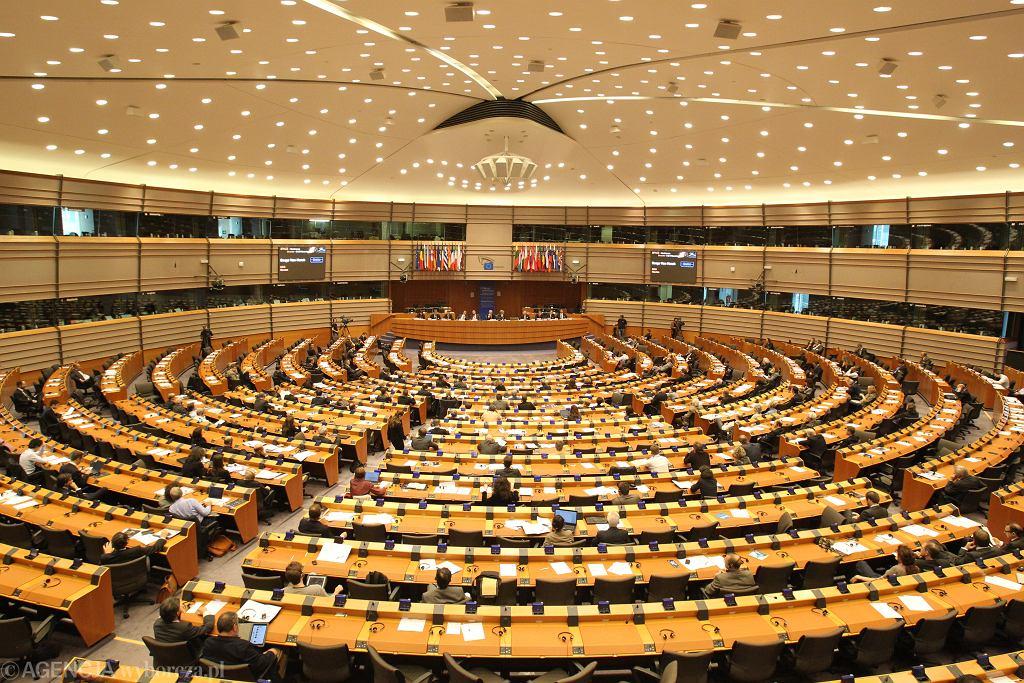 Bruksela, budynek Parlamentu Europejskiego, sala obrad plenarnych.