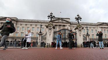 Koronawirus. Wielka Brytania zawiesza ceremonie zmiany warty przed pałacami w Londynie (zdjęcie ilustracyjne)
