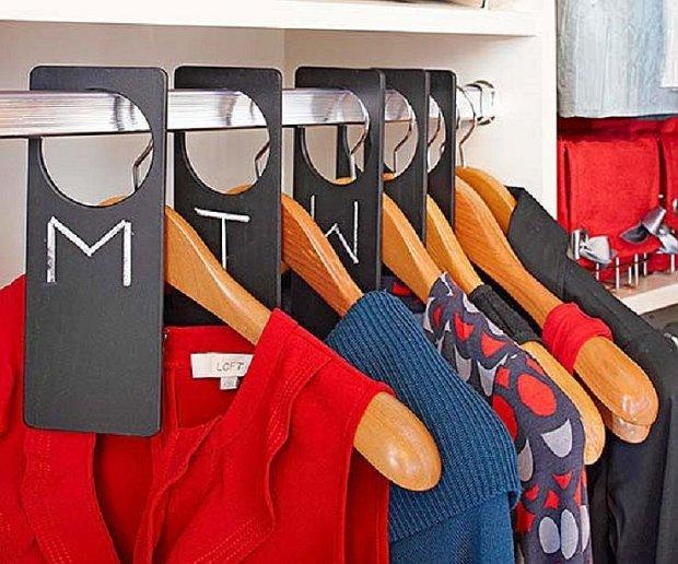 organizacja ubrań, porządek w szafie