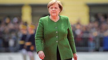 Samolot Angeli Merkel uszkodzony w Dortmundzie. Wjechał w niego samochód