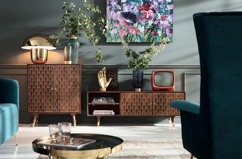 Kare Design- stylowe, welurowe fotele i oryginalne formy szafek z litego drewna to połączenie doskonałe
