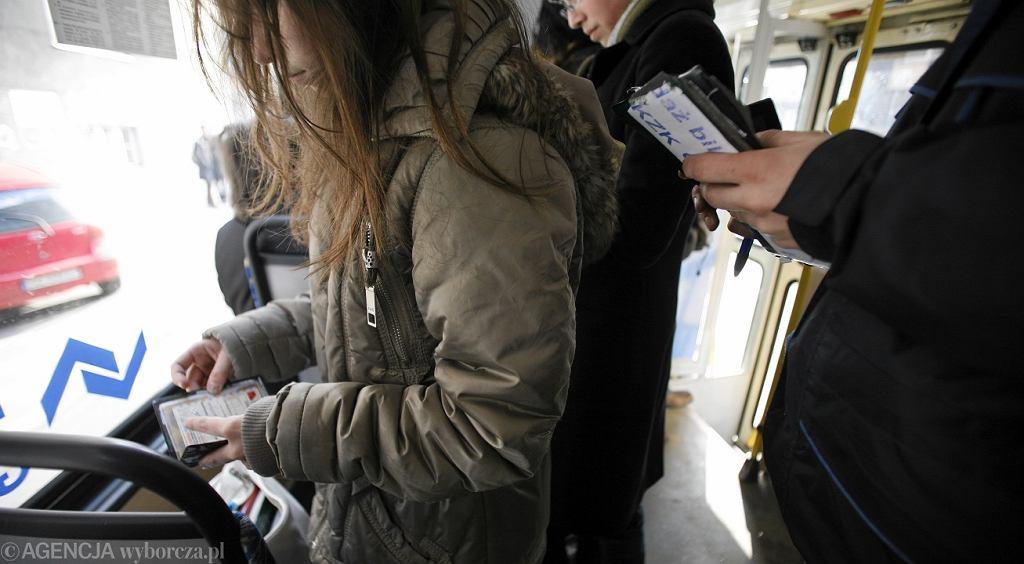 Kontrola biletów - zdjęcie ilustracyjne