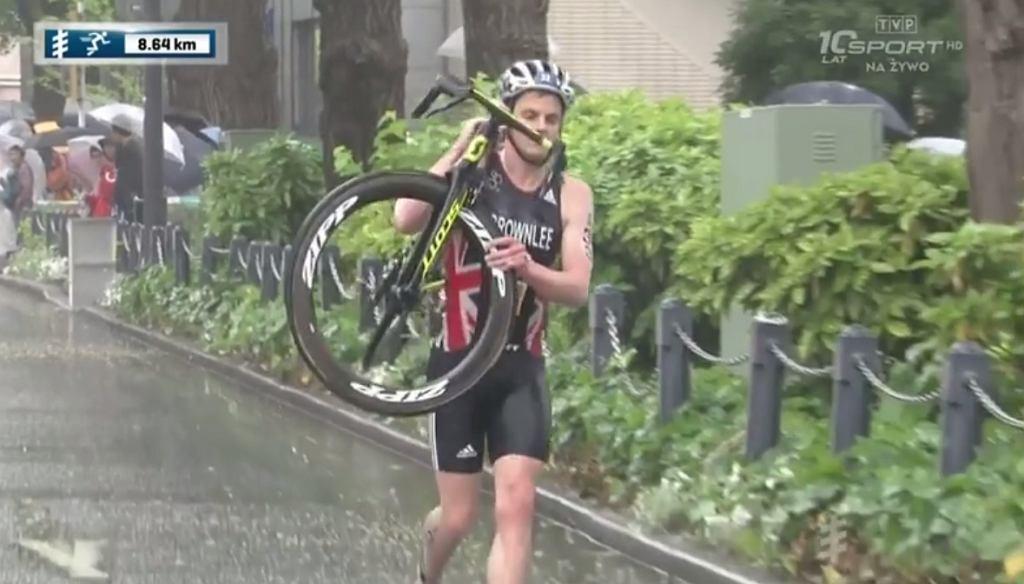 Jonathan Brownlee podczas zawodów w Jokohamie