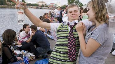 Mieszkańcy Mińska lubią spędzać czas nas rzeką Świsłocz