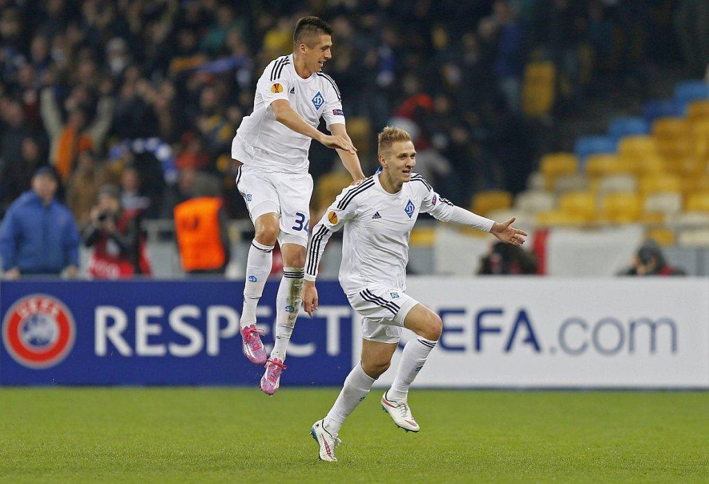 Łukasz Teodorczyk po strzeleniu bramki dla Dynama Kijów w meczu z Evertonem w Lidze Europejskiej