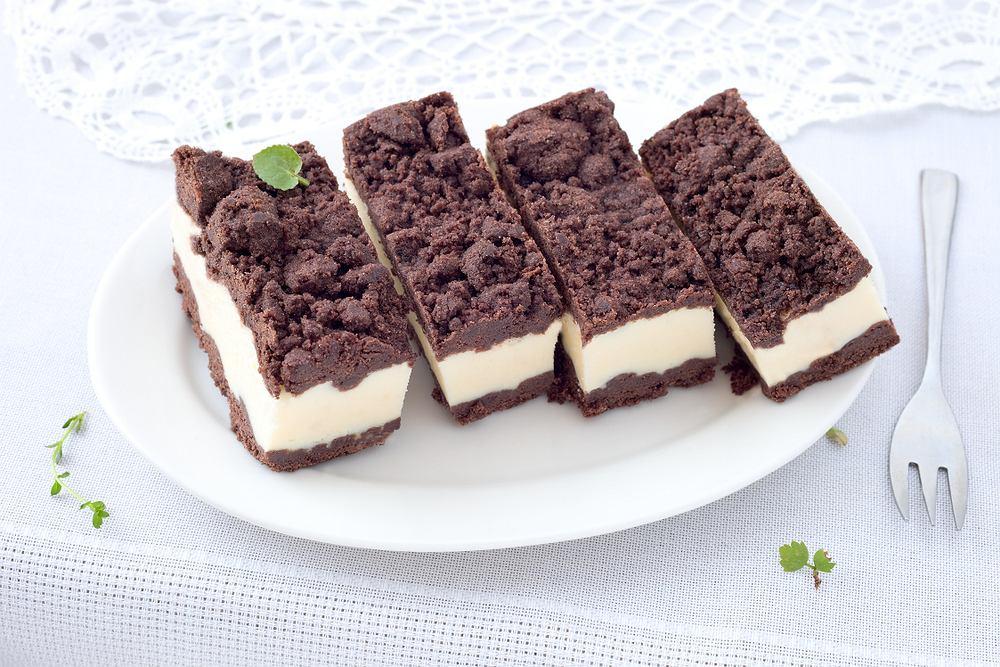 Sernik królewski, jak sugeruje nazwa, to prawdziwy rarytas wśród ciast - mimo że wcale nie należy do wymyślnych deserów.