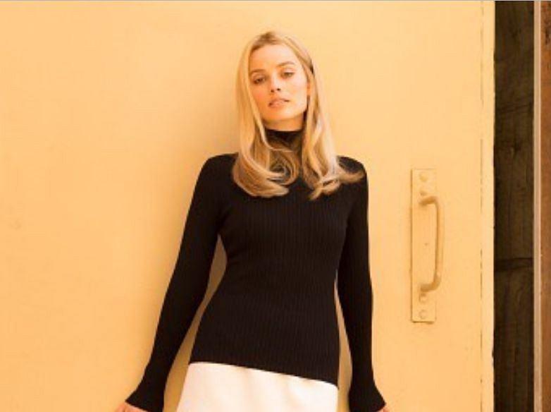 Margot Robbie jako Sharon Tate