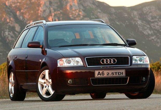 Audi A6 kombi z 2001 roku