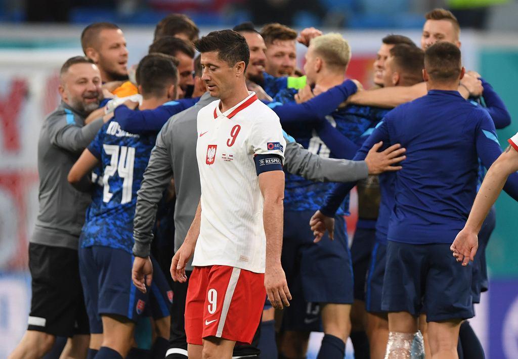 Robert Lewandowski podczas meczu Polska - Słowacja na Euro 2020. Sankt Petersburg, Rosja, 14 czerwca 2021