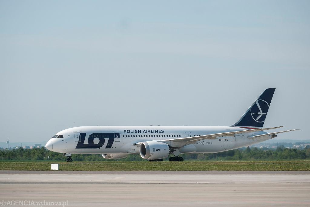 Boeing 787 Dreamliner na lotnisku w Jasionce
