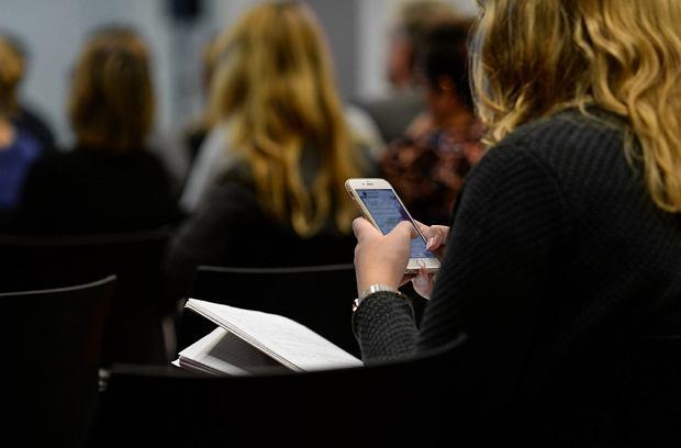 Odłóż telefon, a otrzymasz nagrodę. Skandynawska aplikacja pozwoli walczyć z uzależnieniem/Pixabay.com