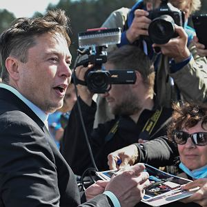 Podczas wizyty w Berlinie Elon Musk zapowiedział, że produkowane tam auta Tesli będą w Niemczech zaprojektowane lepiej niż w USA.