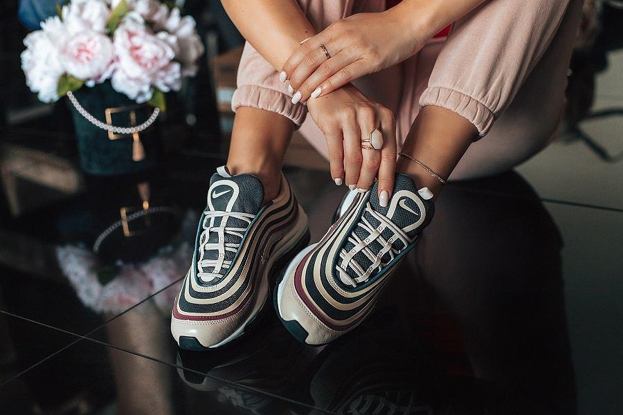 Sneakersy na jesień