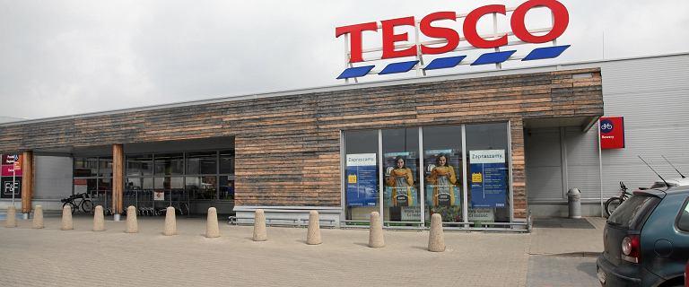 Coraz gorsza sytuacja Tesco w Polsce. Sieć zamyka kolejne sklepy i notuje 55 mln zł straty