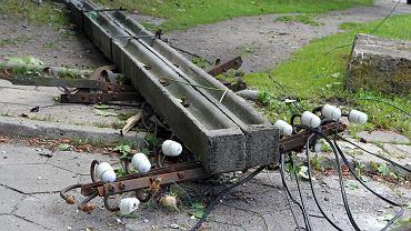 Zerwane kable telefoniczne na Bartyckiej