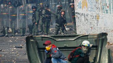 W Wenezueli doszło do kolejnych starć z wojskiem. Zginęły co najmniej dwie osoby