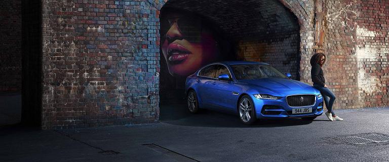 Luksusowy jaguar kosztuje tyle, co auto popularne. Nowy cennik limuzyny XE