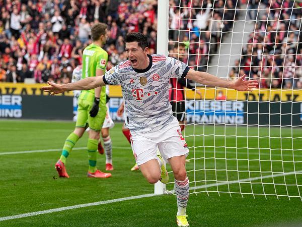 Piorunujący kwadrans Bayernu! Kolejny gol Lewandowskiego w Lidze Mistrzów