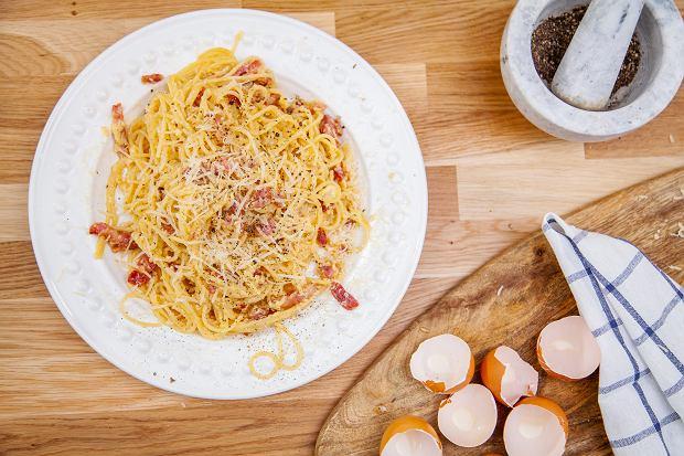 Przepisy na dania z makaronem ze składników, które masz w domu. Oto kilka inspiracji