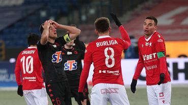 Wisła Kraków wygrywa pierwszy mecz u siebie za Hyballi. Awans po meczu na lodzie