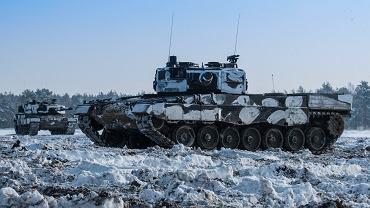 Polskie czołgi Leopard 2A4 podczas ćwiczeń
