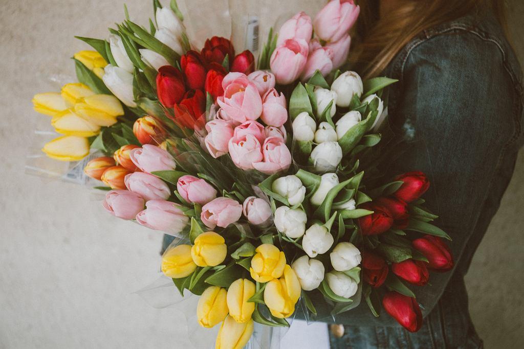 Życzenia na Dzień Kobiet. Gotowe wierszyki i rymowanki (zdjęcie ilustracyjne)