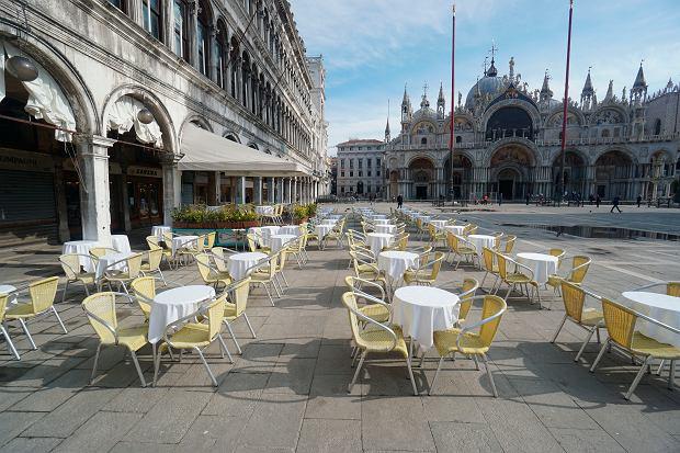 Opustoszały Plac św. Marka w Wenecji, 9 marca 2020 r.