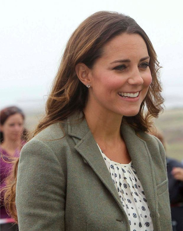 Britain's Catherine, Duchess of Cambridge visits the Breakwater country park, to start the Ring O Fire ultra marathon, in Anglesey, north Wales August 30, 2013.   REUTERS/Paul Lewis/pool    (BRITAIN - Tags: ROYALS ENTERTAINMENT SPORT ATHLETICS)