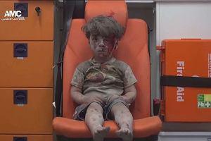 Pamiętacie chłopca z Syrii, którego zdjęcie wstrząsnęło światem? Właśnie się ujawnił i ma ważną misję [WIDEO]