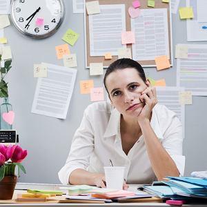 Sens pracy: prezenteizm, polegający na ograniczaniu sięwpracy do samej tylko obecności, ma się dziś zaskakująco dobrze.