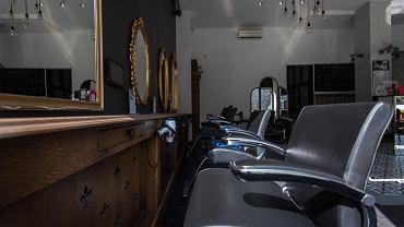 Bony będzie można wykorzystać, gdy bary i salony fryzjerskie znów się zapełnią.