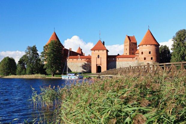 Zamek w Trokach pod Wilnem, Litwa / fot. Shutterstock