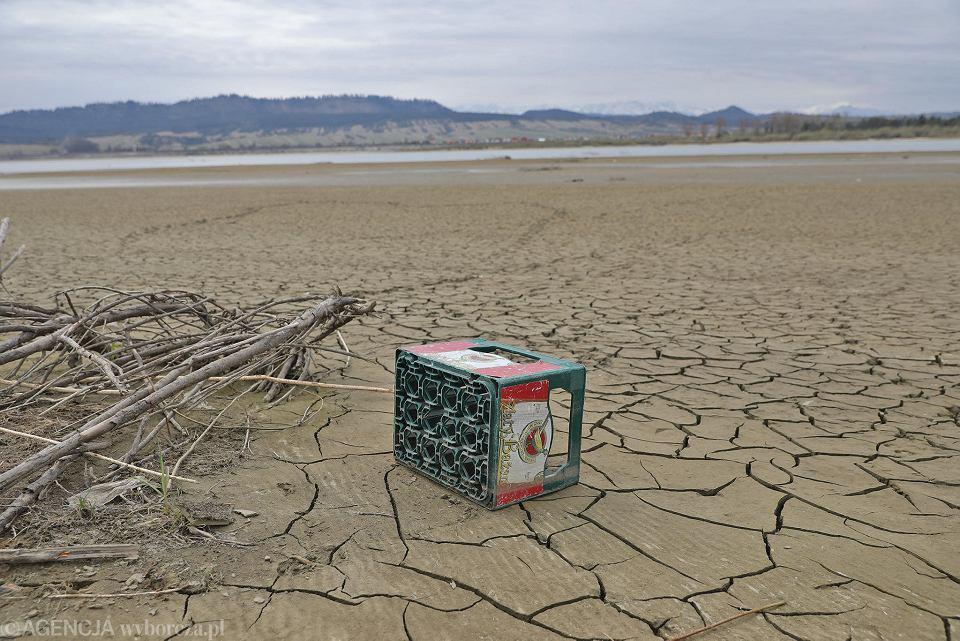 Bardzo nisko poziom wody w Jeziorze Czorsztyńskim.