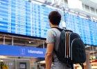Kiedy najlepiej kupować bilet na samolot? W jakim miesiącu najbardziej opłaca się latać z Polski? [RAPORT SKYSCANNER]