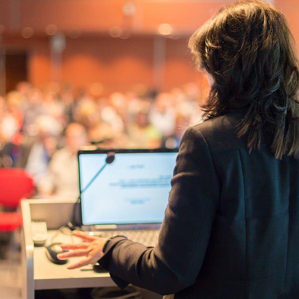 Dlaczego tak niewiele kobiet zostaje profesorkami?