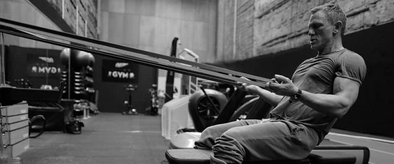Daniel Craig pręży muskuły na siłowni. Wiemy, kiedy wróci na plan Bonda