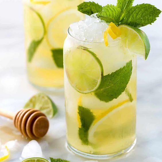 Zielona herbata ma też właściwości uspokajające i relaksujące
