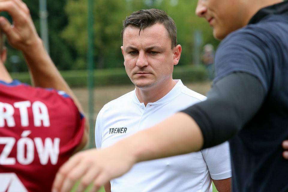 Zdjęcie numer 2 w galerii - Lubuskie rozgrywki piłkarskie zakończone po jednej rundzie, Warta Gorzów w trzeciej lidze