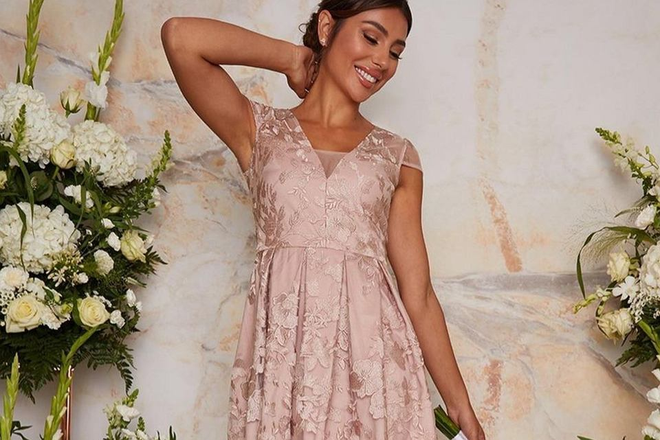 wyprzedaż sukienek na wesele