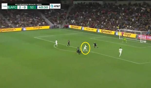 Piękny gol w MLS. Carlos Vela ośmieszył rywali [WIDEO]